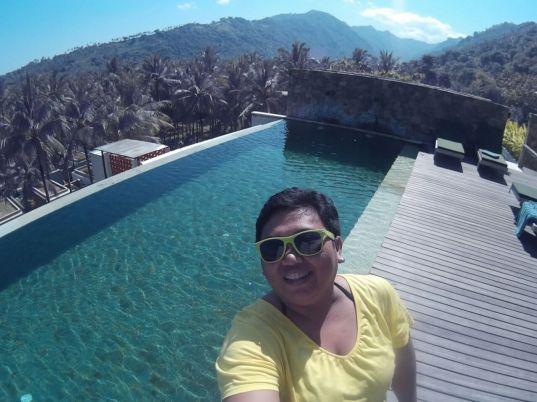 swimming pool yang surgawi