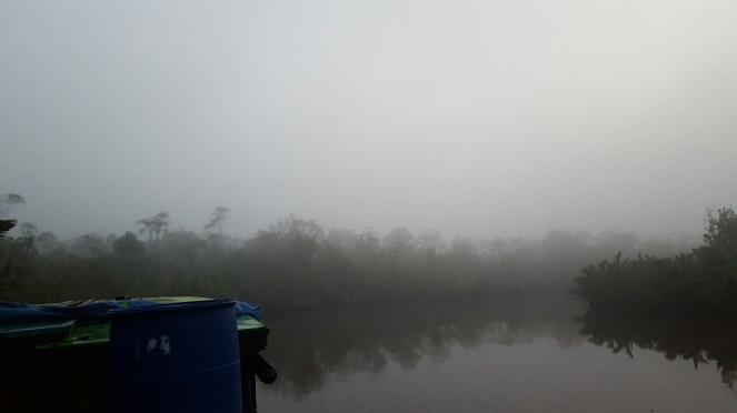 pagi yang berkabut